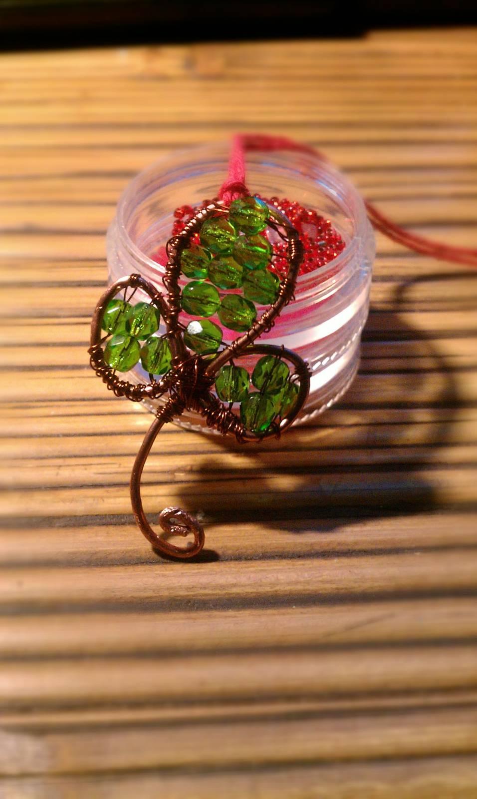 подарки своими руками-лист клевера из проволоки
