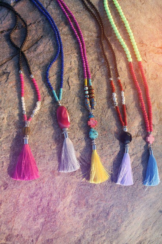 украшения с кисточками, ожерелья